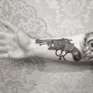#gun #guntattoo #tattoo #ink #sleeve #armtattoo #blackAndWhite #cross #dotwork #blackandgreytattoo #GlennCuzen