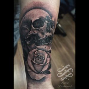 A cool little Skull and rose combo I did a while back on Arron for his first tattoo! #lewishazlewood #lewishazlewoodtattoo #staganddaggertattoo #somerset #uk #blackandgrey #blackandgreytattoo #blackandgray #bng #bngtattoo #skull #skulltattoo #rose #rosetattoo #flower #blackandgreyrose #realistic #realism #bngrealism #blackandgreyrealistic