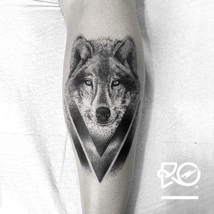By RO. Robert Pavez • Gian Minotti Wolf • Studio Scrimshaw tattoo • Frosinone - Italy 2017 • #engraving #dotwork #etching #dot #linework #geometric #ro #blackwork #blackworktattoo #blackandgrey #black #tattoo