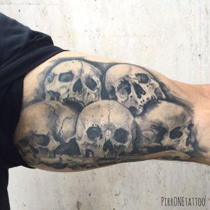 #tattoo #tattoos #tattooitalia #ink #skull #skulltattoo #realistictattoo #blackandgreytattoo #pirr