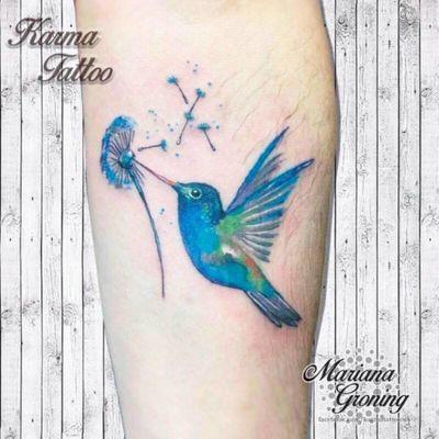 Watercolor hummingbird tattoo #tattoo #tatuaje #color #mexicocity #marianagroning #tatuadora #karmatattoo #awesome #colortattoo #tatuajes #claveria #ciudaddemexico #cdmx #tattooartist #tattooist #hummingbird #colobri #watercolor #acuarela