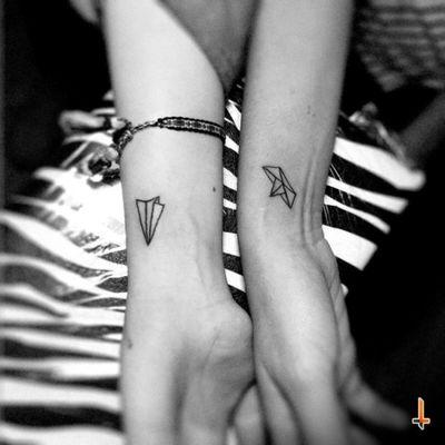 Nº196-197 Cousins & Friends #tattoo #ink #littletattoo #paper #origami #airplane #bote #matchingtattoos #bylazlodasilva