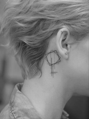 #tattoo #linework #lineworktattoo #minimaltattoo #minimalistic #blackandgrey #blackandgreytattoo #geometry #geometrytattoo #blackwork