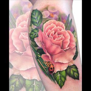 Peach #rose abd #ladybug #lizvenom #ladybeetle #beetle #bug #insect #rose #roses #floribunda #nature #botanical #realism #female #floral #flowers #girly #feminine #ladytattooers #vintage #classical #color #colour #best #beautiful #flattering #amazing