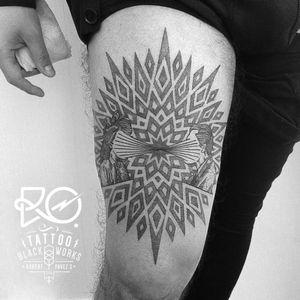 By RO. Robert Pavez • Transmission • #engraving #dotwork #etching #dot #linework #geometric #ro #blackwork #blackworktattoo #blackandgrey