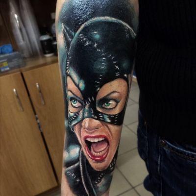 Cover up #tattoo#tattooinrussia#inkmachines#worldfamousink#eternalink#fusionink#intenzetattooink#stingrayx2#dragonflyx2#batman#batmanreturns#catwoman#dc#dccomics#comics#coverup#colortatto