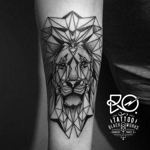 By RO. Robert Pavez • Lion I • #engraving #dotwork #etching #dot #linework #geometric #ro #blackwork #blackworktattoo #blackworkers