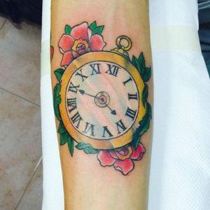 New Tatty #clocktattoo #flowers #tattoo_artwork