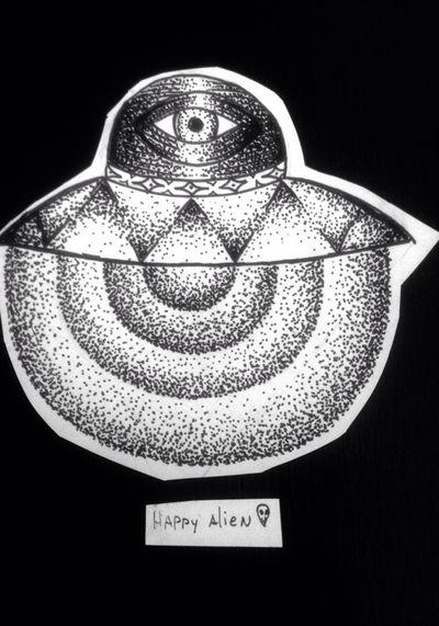 Ovni radiant #space #galaxy #galaxia #espacio #ufo #stars #estrellas #planeta #jupiter #saturno #planet #cosmo #cosmic #tattoo #ink #inkñofe #tattoolige #tatuaje #art #arte #artlife #blackandwhite #blancoynegro #draw #dibujo #happyalientattoo #detail #work #happy #dotwork #love