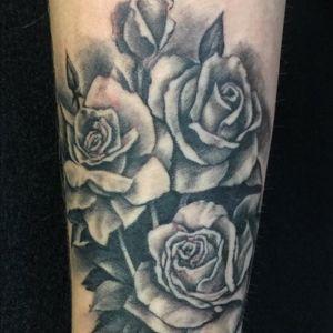 By Andreana Verona @andreanaverona #roses #rosestattoo #tattoosociety #threeroses #queenstattoo #astoriatattoo #astoriaqueens #tattoo #blackandwhite #girlstattoo