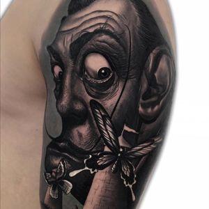 Dali  @latintaquehabito  @radiantcolorsink  @vegantattoo #skinartmag #tattooneviemag #inklife #bgis  #tattoo_art_worldwide #radtattoos #tattooistartmag  #thebestspaintattooartists #thebesttattooartist #valenciatattoo #tattoovalencia #bnginksociety #superbtattoos #tattooartistmagazine #toptattooartist #inkstagram #ink #tattooed #tattoo_artwork #tattoo #tatuajes #tattooed #bestoftheday #art #tattooist #inked #realism #jumillaolivares #tattoodo #brujula