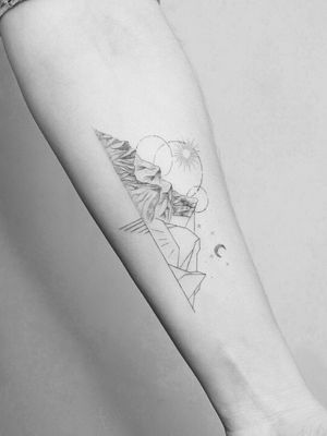 #tattoo #linework #lineworktattoo #minimaltattoo #minimalistic #blackandgrey #blackandgreytattoo #geometry #geometrytattoo #blackwork #mountains
