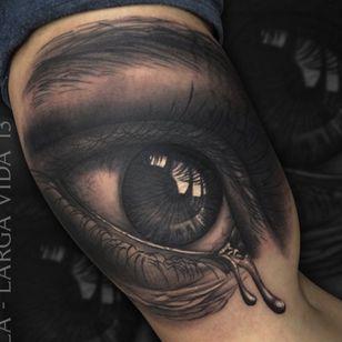 Healed tattoo Realistic eye By Jumilla@largavidatrece@inkjunkeyzmag#eye#ojo#jumilla #largavida13 #Largavidatrece #realismo #realistic #kwadron #tattoo #tattoos #tatuage #tatuaje #tattooink #tattooartists #thebesttattoospain #thebestspaintattooartists #curado#vikingink#amtattoosuplies#valencia #spain #valencia #mirada#TattooistArtMagazine #largavida13 #quartdepoblet #largavidatrece