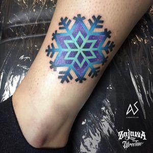 #snow #snowflake #snowflaketattoo #color #colortattoo #alaska #Alaskatattoo #alaskasiminska #AleksandraSiminska #AlaskaAleksandra #snowtattoo
