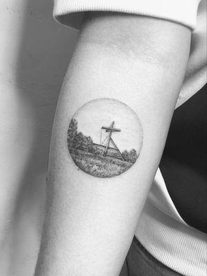 #tattoo #linework #lineworktattoo #blackandgrey #blackandgreytattoo #geometry #geometrytattoo #blackwork #landscapetattoo