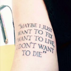 New tatto 😻 #song #Phrase #phrases #oasis #oasistatto #liveforever #bestsong #iloveit #tattoo #newtattoo #tattoosong