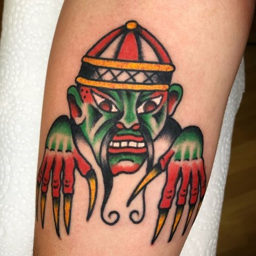 Creeper #berlintattoo #berlintattooers #tattooberlin #tattoostudioberlin #brightandbold  #traditionaltattoo #berlin #tradworkers #ttism #londontattoo #essextattoo #oldlines