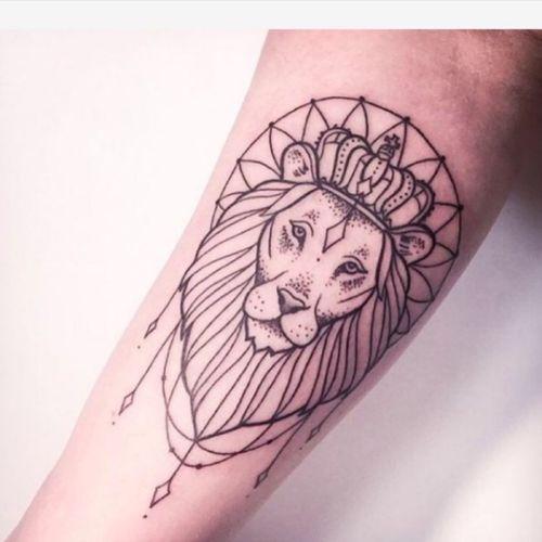 #dreamtattoo #lioness #dotwork #geometric #beauty