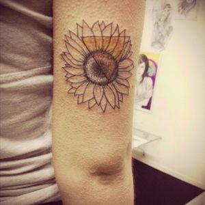 Sunflower :) #sunflower #sun #flower #dotwork #fineline #triangle