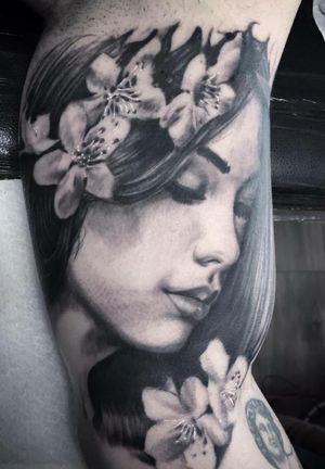 Done by Bram Koenen - Resident Artist. #tat #tatt #tattoo #tattoos #amazingtattoo #ink #inked #inkedup #amazingink #blackandgrey #blackandgreytattoo #woman #womanportrait #womanfacetattoo #realism #armtattoo #tattoolovers #inklovers #artlovers #art #culemborg #netherlands