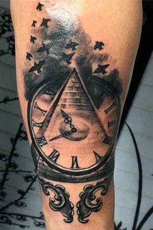 #blackandgrey #clock #illuminati