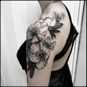 #black #winter #flowers #tattoo #blackwork #totemica #ontheroad