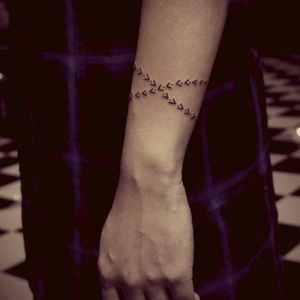 Cute. #arrow #bracelet #armband