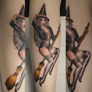 Sassy halloween witch 🔥#neotraditional #traditionaltattoo #pinuptattoo #pittsburghtattoo #pittsburgh #ladytattooer