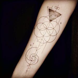 Very cool. #circle #triangle #geometric #forarm #linework