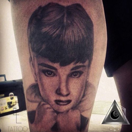 Audrey Hepburn  #tattoo #tattoos #tat #ink #inked #audreyhepburn #audreyhepburntattoo  #tattooed #tattoist #coverup #art #design #instaart #instagood #sleevetattoo #handtattoo #chesttattoo #photooftheday #tatted #instatattoo #bodyart #tatts #tats #amazingink #tattedup #inkedup