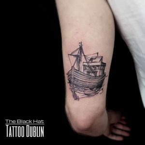 Why not hire a boat for a sea expedition next weekend? Nice one done @theblackhattattoodublin during the storm.  . #boat #boattattoo #blackworktattoo #blackwork #blackworkersubmission #blackhatdublin #dublin #dublintattoo #tattooartist