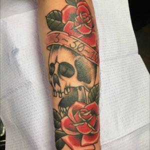 Skull and roses #tattoo #tattoooftheday #tattooofinstagram #AmericanTraditional