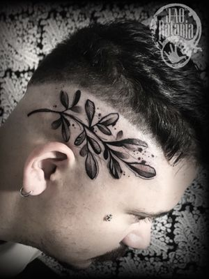 Arruda black feito em Rio Verde-Go! #rataria #tattoo #blackwork #blackworkers #blackworkerssubmission #ttblackink #onlyblackart #theblackmasters #tattooartwork #inkstinct #inkstinctsubmission #superbtattoos #wiilsubmission #stabmegod #tattoos_artwork #arruda #arrudatattoo