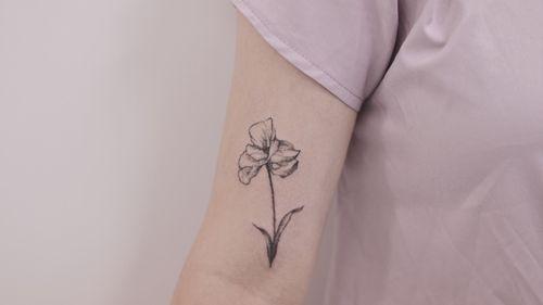 :: handpoke tattoo :: iris