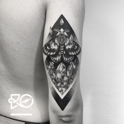 By RO. Robert Pavez • Crystals Moth • Studio Nice Tattoo • Stockholm - Sweden 2017 • #engraving #dotwork #etching #dot #linework #geometric #ro #blackwork #blackworktattoo #blackandgrey #black #tattoo #fineline #moth #mothtattoo