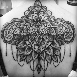Artist #PetraHlaváčková #mandala #henna