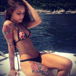Beauty #naked #woman #roses  #RoseTattoos #Bikini #beautiful #tattoo