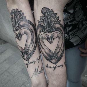 #tatto #coupletattoo #swantattoo #blxck #blackworktattoo #dotworktattoo