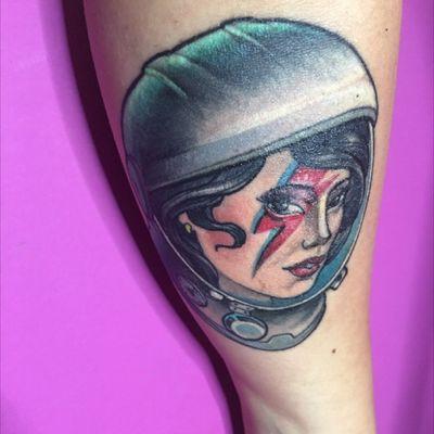 Oh, I'm just visiting 🚀 #davidbowie #astronaut #astronauttattoos #girlpower #oldschool #TattooGirl #girl #color #rock #music #space #spacegirl