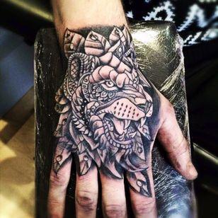 #tattoo #handtattoo #hand #ink #tattoo #lion #blackAndWhite #blackandgreytattoo #newink #GlennCuzen