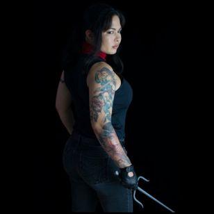 Photograph by @RonBirdArt #Elektra #Cosplay #Netflix #Daredevil #Marvel #inkedgirls #tattooedgirl #inked #tattoos