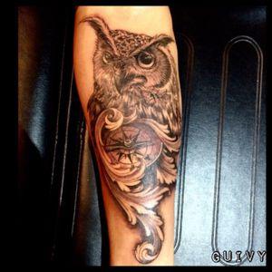 Guivy Hellcat - GENEVA 🇨🇭 #owltattoo #clock #clocktattoo #owl #blackandgrey #guivy #artforsinners #tattoo #tatouage #geneva #geneve #switzerland #owl #hibou #chouette #compass #boussole #realism