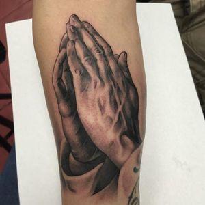 Tattoo by Eddy Jr.  #amsterdamtattoo #sawyerfamilytattooing #finelinetattoo #blackandgreytattoo #traditionaltattoo #chicanostyle