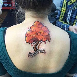 Árbol de Otoño / Autumn Tree by Antonio Mobili #autumn #tree #autumntree #humanflytattoo