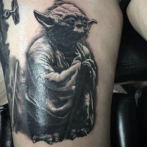 Yoda by artist Roque Mendez  #starwars #yoda #starwarstattoo #dallastattooartist #blackgreytattoo #goldust #blackandgrey